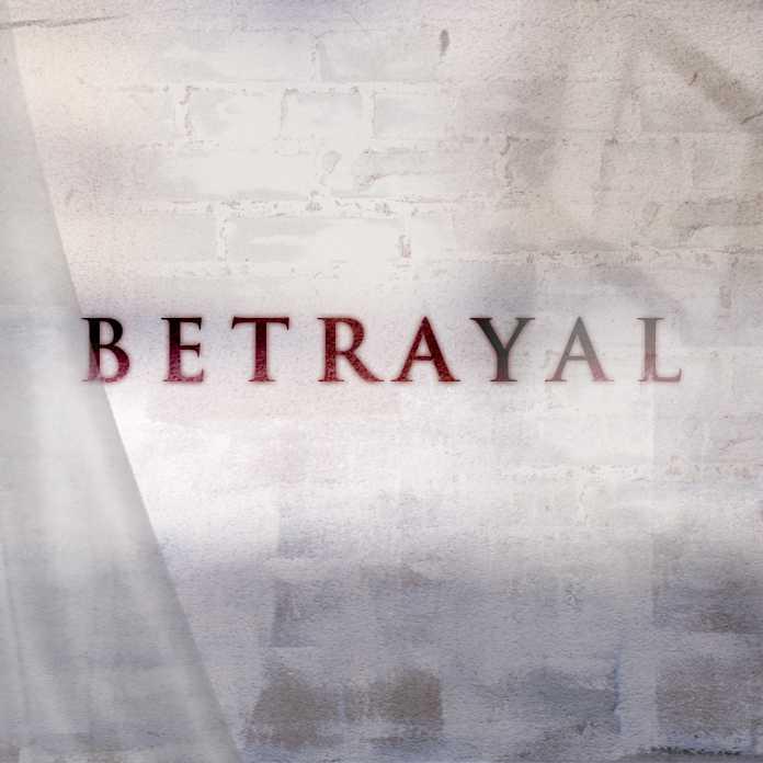 Primeiras Impressões: Betrayal 1