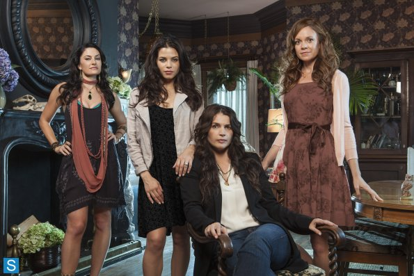 Primeiras Impressões: Witches of East End 1