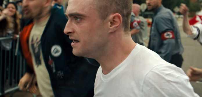 """Daniel Radcliffe é um agente infiltrado em um grupo neonazista no primeiro trailer de """"Imperium"""" 1"""