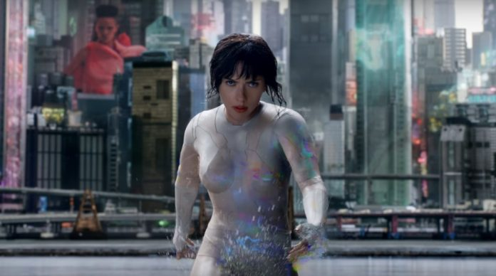 Scarlett Johansson capricha na ação no trailer final de 'A Vigilante do Amanhã: Ghost in the Shell' 1