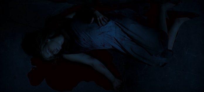 O Rastro: Cena do filme mostra Leandra Leal estirada em uma poça de sangue 1