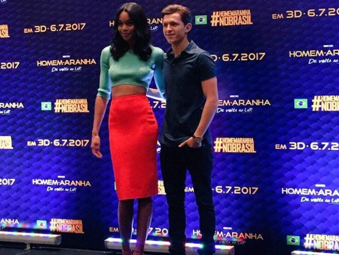 Tom Holland e Laura Harrier dão alguns detalhes sobre seus personagens em coletiva em São Paulo 2