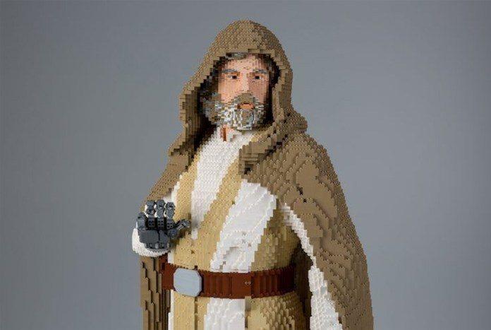 SDCC 2017: Vídeo mostra o processo de construção da estátua de Luke Skywalker de LEGO 3