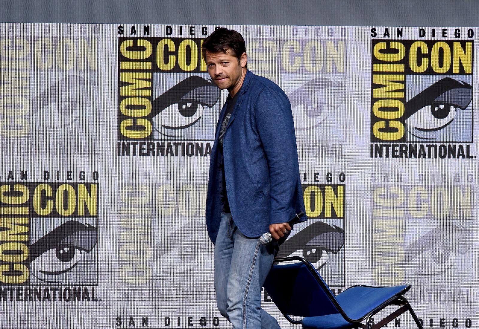 """SDCC 2017: """"Um personagem antigo pode voltar nessa temporada"""" diz produtor de Supernatural em painel 1"""