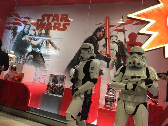 """Force Friday II: Evento apresenta atividades especiais e os novos produtos de """"Star Wars: O Últimos Jedi"""" 15"""