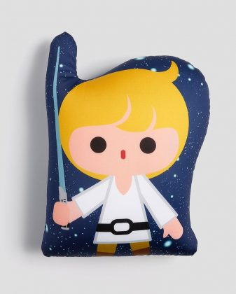 Almofada Luke Skywalker Largura 26 cm Comprimento 40 cm R$ 39,90