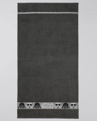 Toalha de Banho Star Wars padronagem infantil Largura 70cm Comprimento 1,30 m R$ 25,90