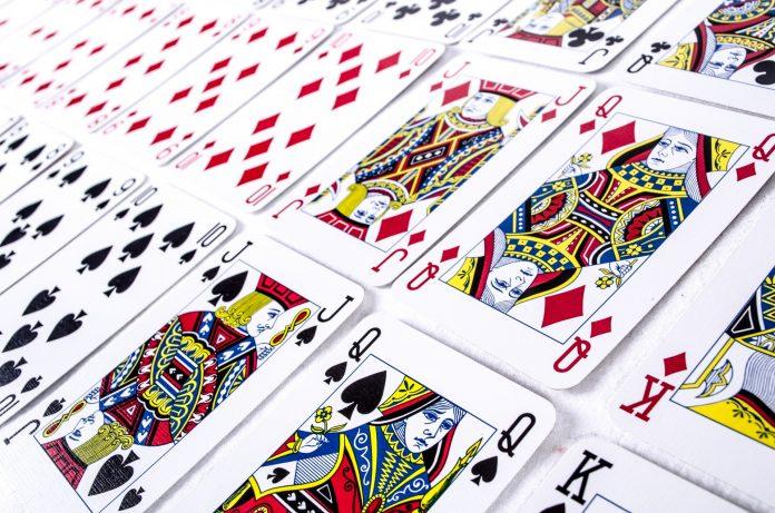 O mundo temático das cartas de baralho 1