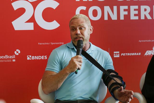 Bruce Miller, criador da série The Handmaid's Tale, é destaque no primeiro dia da Rio2C 2