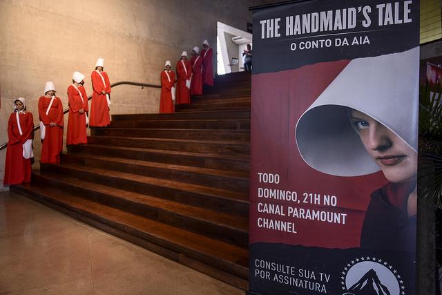 Bruce Miller, criador da série The Handmaid's Tale, é destaque no primeiro dia da Rio2C 1