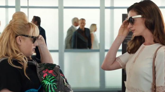 As Trapaceiras | Confira o trailer da comédia protagonizada por Anne Hathaway e Rebel Wilson 1