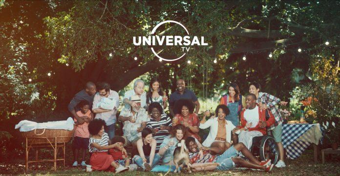 Nova campanha do Universal TV traz diversidade ao conceito de família 1