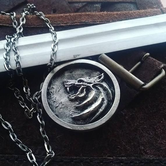 The Witcher | Saiba porque o medalhão da série é diferente dos games 1