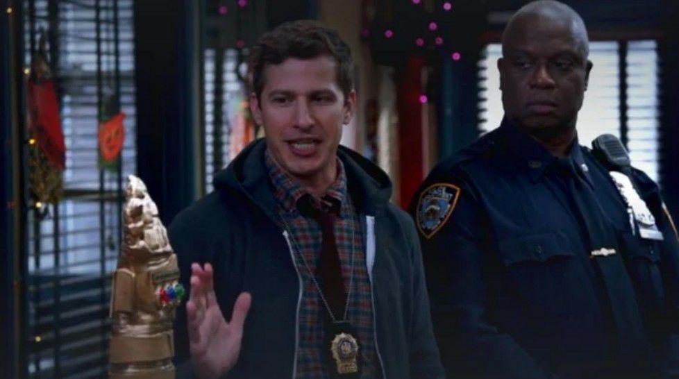 Item de 'Vingadores' aparece em Brooklyn 99 1