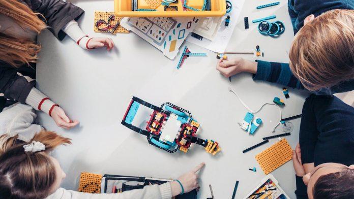 LEGO Education celebra 40 anos com sorteio de 40 mini kits para educadores 2